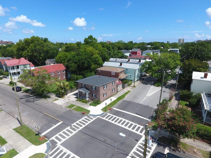 185 Fishburne Street Charleston, SC 29403