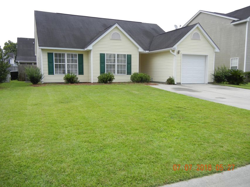 1421 Pinethicket Drive Summerville, SC 29486