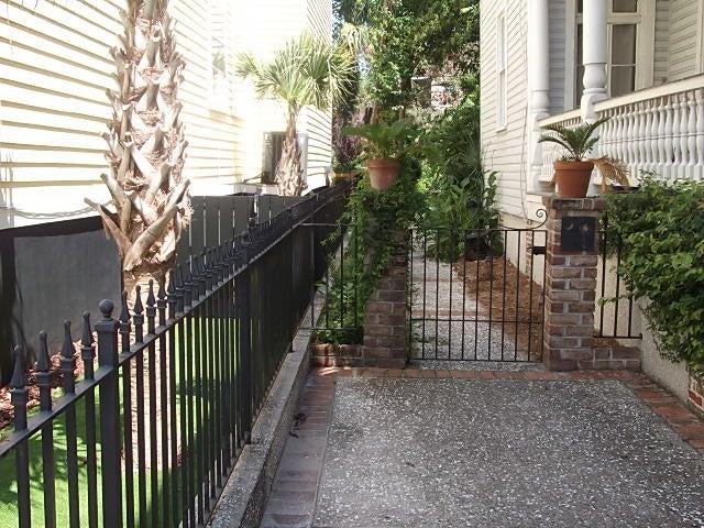 86 1/2 Beaufain Charleston, SC 29401