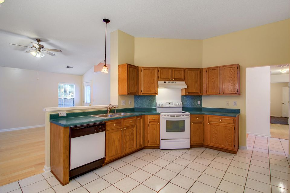 8509 Stonebridge Drive North Charleston, SC 29420