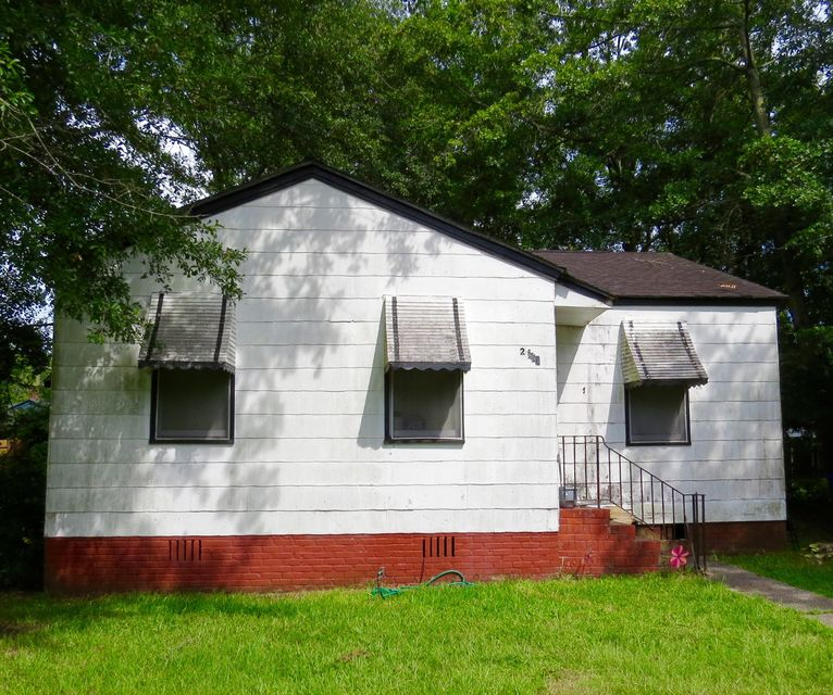 2663 Lawrence Street North Charleston, SC 29405