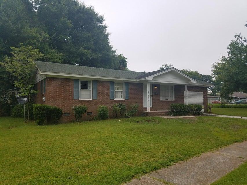 4326 Spur Street North Charleston, SC 29405