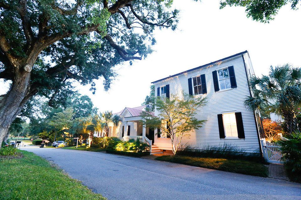 Old Village Homes For Sale - 103 Carr, Mount Pleasant, SC - 35