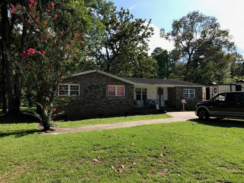 1127 Old Highway 6 Cross, SC 29436