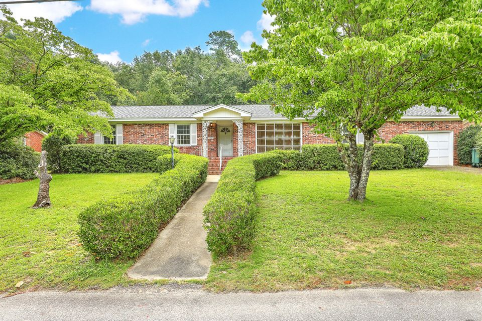1880 Rugby Lane Charleston, SC 29407