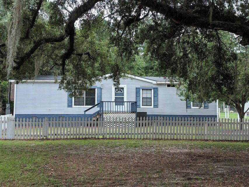305 Fountain Lake Drive Eutawville, SC 29048