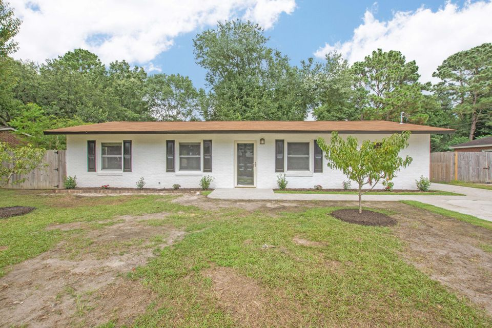 16 Westfield Avenue Goose Creek, SC 29445