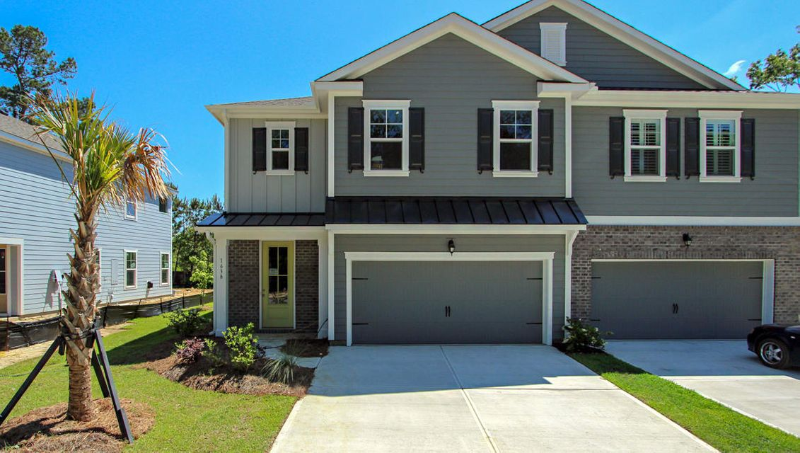 1638 Mermentau Street Mount Pleasant, SC 29466