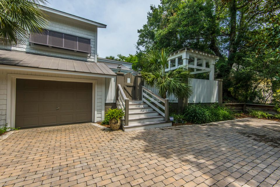 19 Edgewater Alley Isle Of Palms, SC 29451
