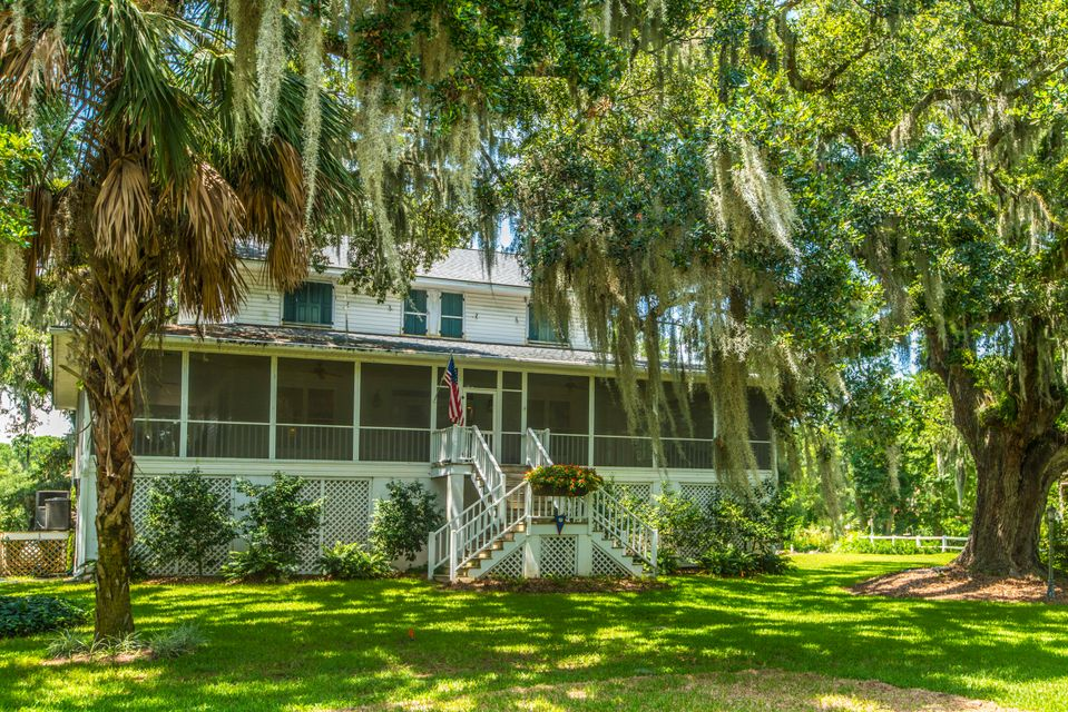 2484 Sea Island Yacht Club Road Wadmalaw Island, SC 29487