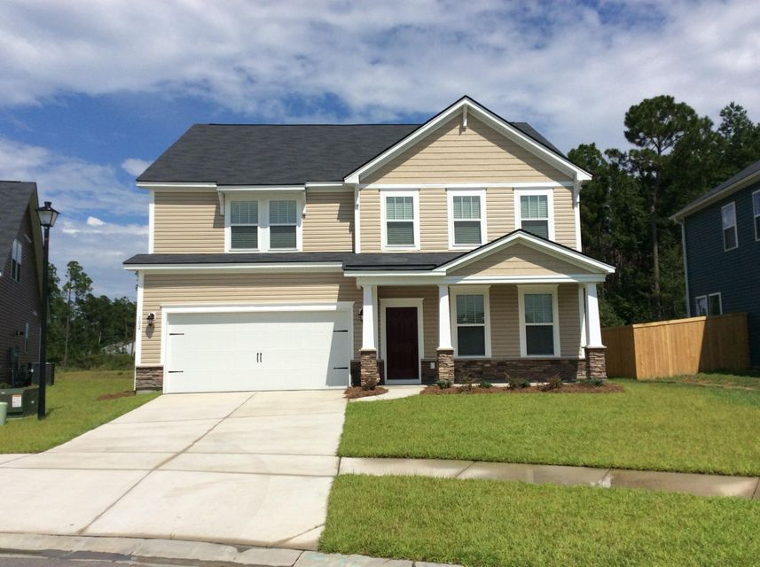 102 Oregon White Oak Court Summerville, SC 29486