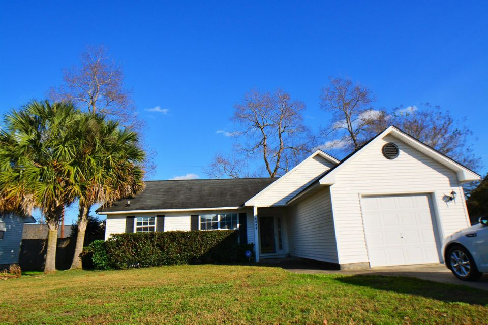 8544 Roanoke Drive North Charleston, SC 29406