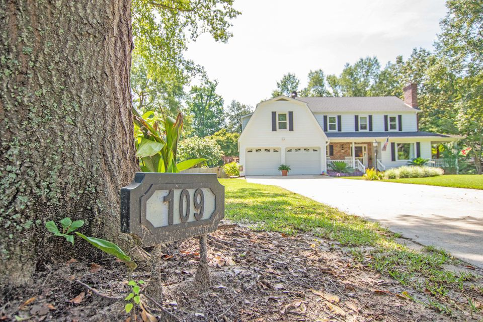 109 Almond Street Pinopolis, SC 29469