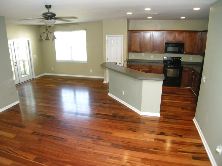 1377 Palm Cove Drive Charleston, SC 29492
