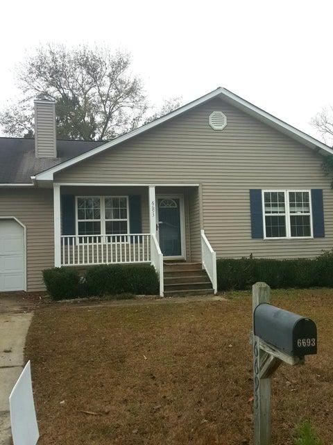 6693 Bent Creek Drive North Charleston, SC 29420