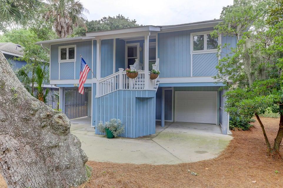 17 Twin Oaks Lane Isle Of Palms, SC 29451