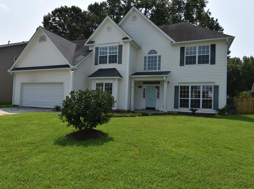 203 Curico Lane Summerville, SC 29483