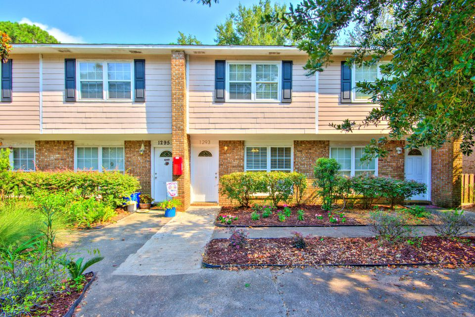 1293 Mathis Ferry Road Mount Pleasant, SC 29464