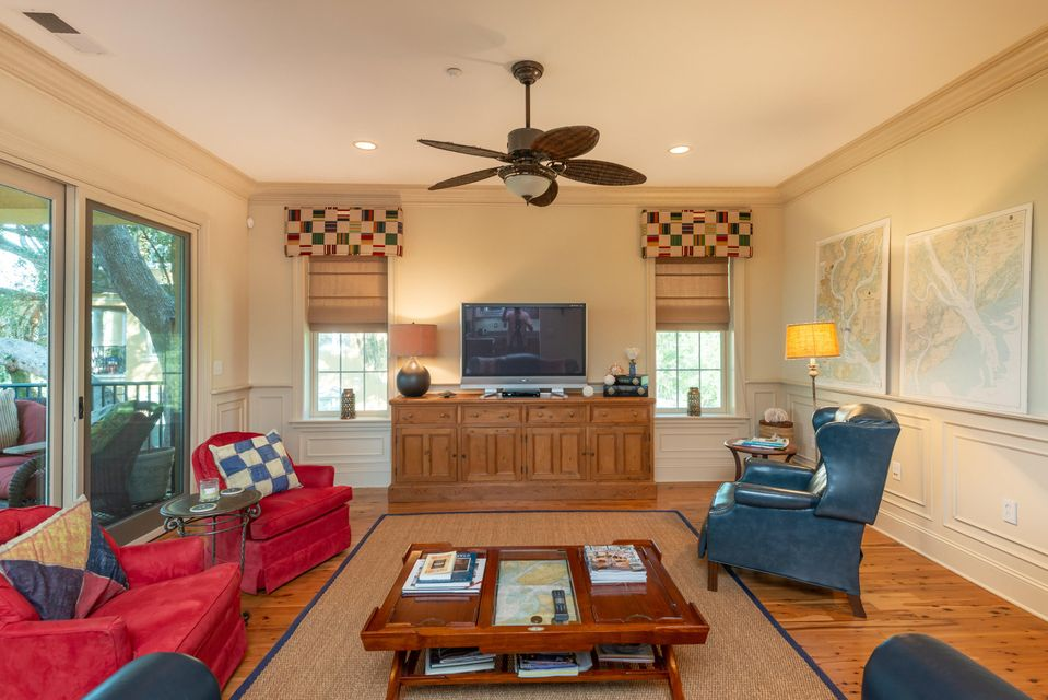 4255 Faber Place Drive North Charleston, SC 29405