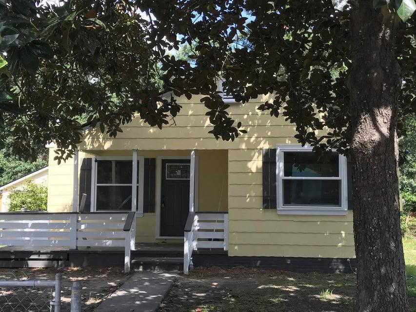 5634 Blackwell Avenue North Charleston, SC 29406