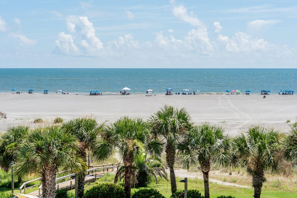 308 Summerhouse Drive Isle Of Palms, SC 29451