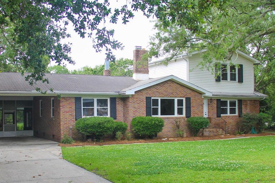 239 Bayview Drive Mount Pleasant, SC 29464