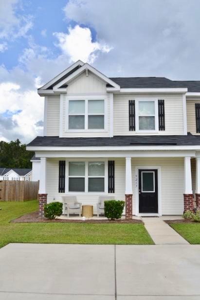 9217 Southern Oak Lane Ladson, SC 29456
