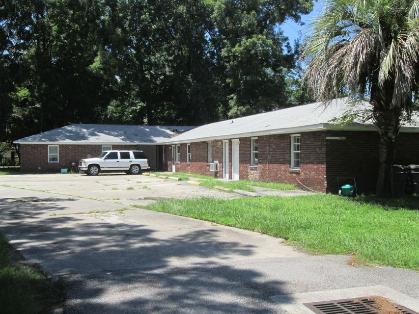5061-1 Rockingham Street North Charleston, SC 29406