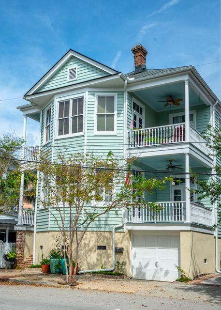 38 Ashley Avenue Charleston, SC 29401