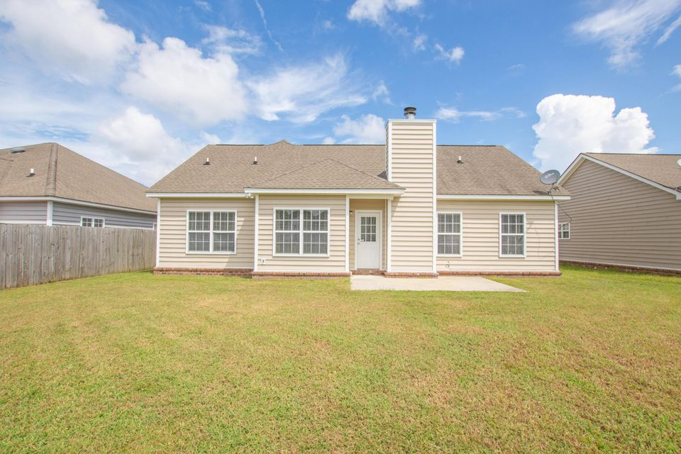 7713 Eagle Lake Road North Charleston, SC 29418