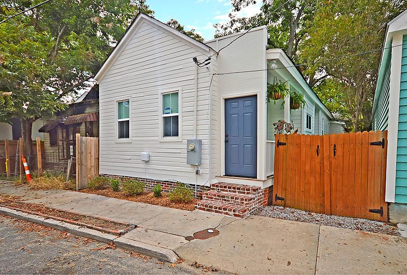 35 Poinsett Street Charleston, SC 29403