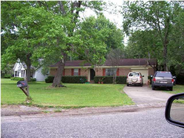 204 Columbia Drive Ladson, SC 29456