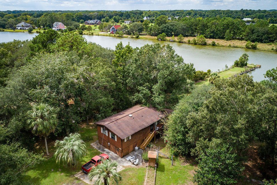 6534 Beagle Club Road Meggett, SC 29449