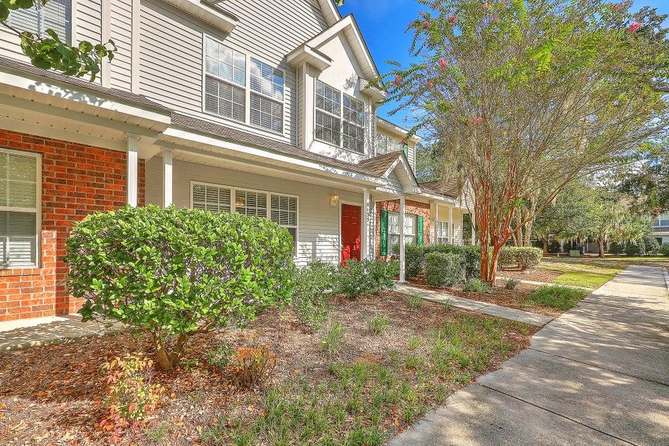 8135 Shadow Oak Drive North Charleston, SC 29406