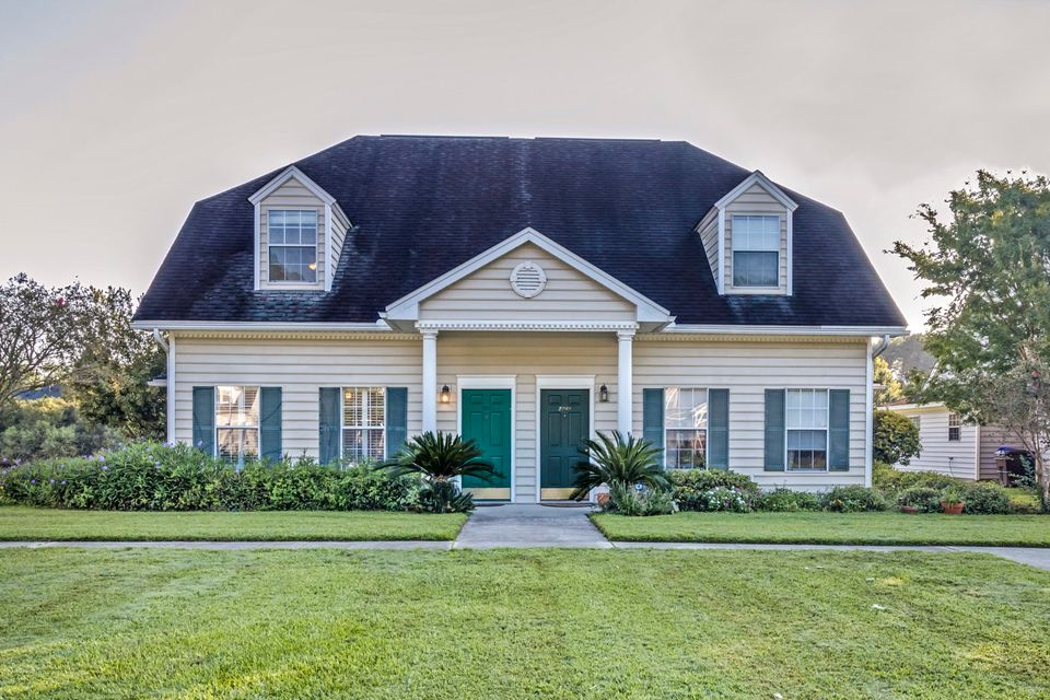 2213 Kings Gate Lane Mount Pleasant, SC 29466