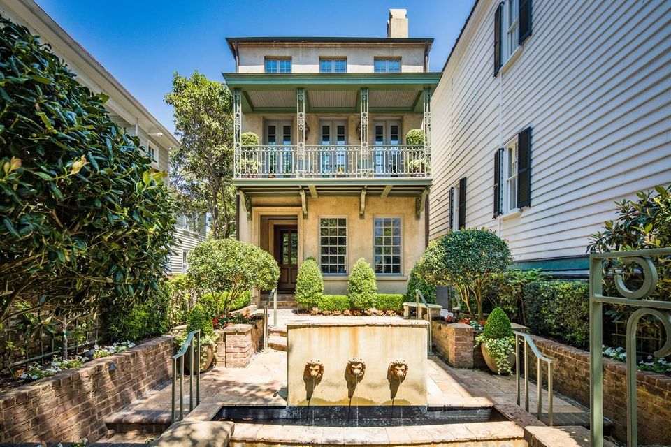 68 Church Street Charleston, SC 29401