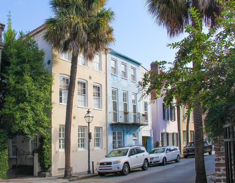 18 Queen Street Charleston, SC 29401