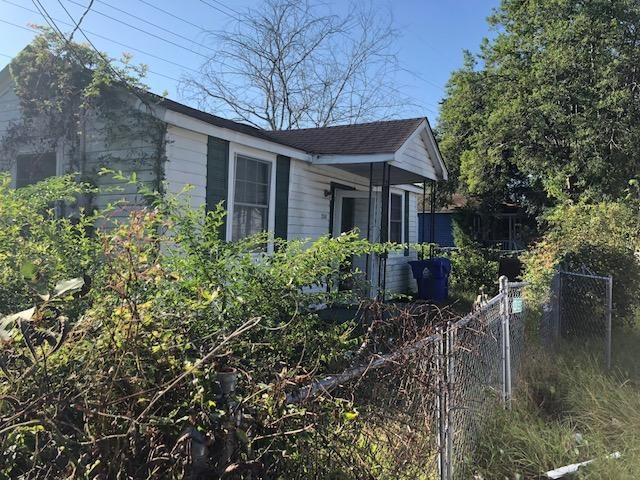 2248 Mott Avenue North Charleston, SC 29405