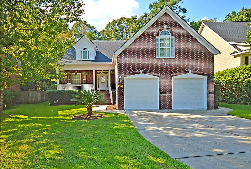 8633 Woodland Walk North Charleston, SC 29420
