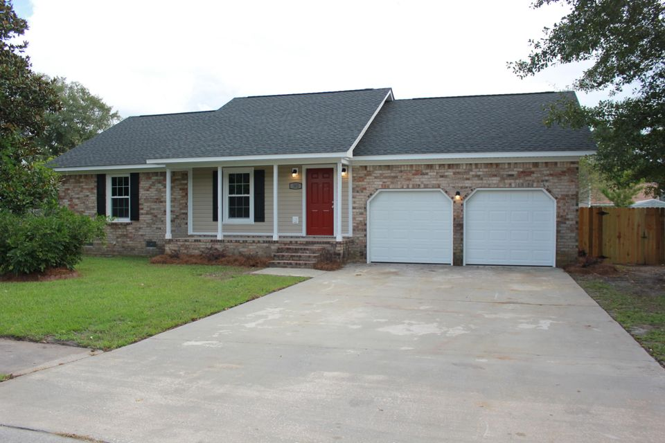 302 Woodbridge Drive Summerville, SC 29486