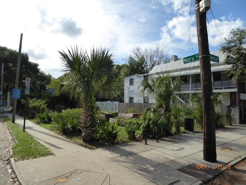 17 America Street Charleston, SC 29403