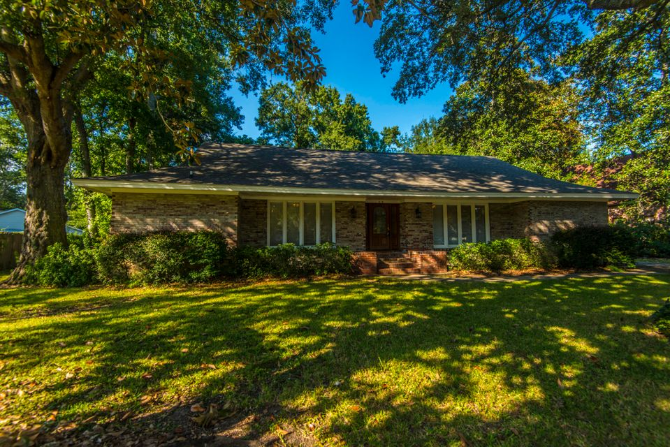 910 Regatta Road Charleston, SC 29412