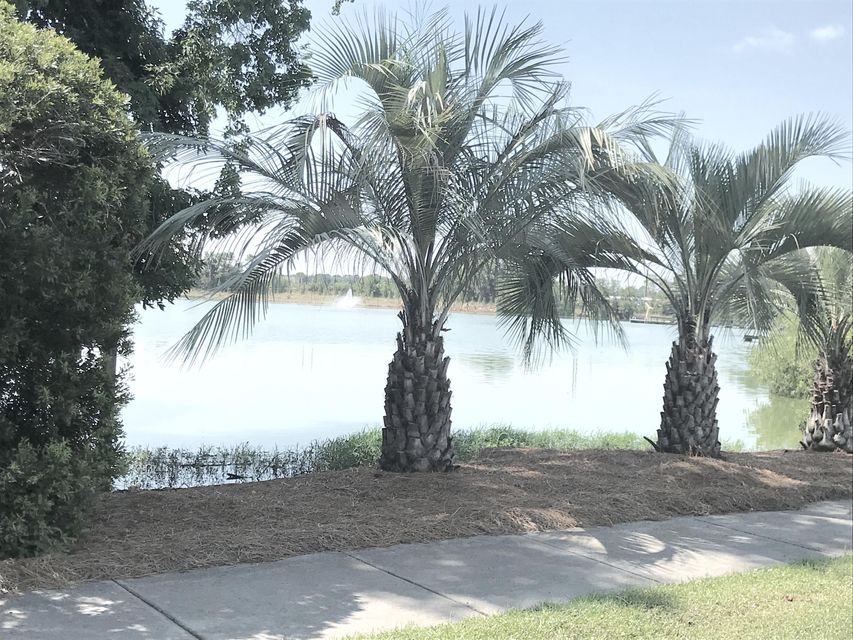 4989 Lake Palmetto Lane North Charleston, SC 29418