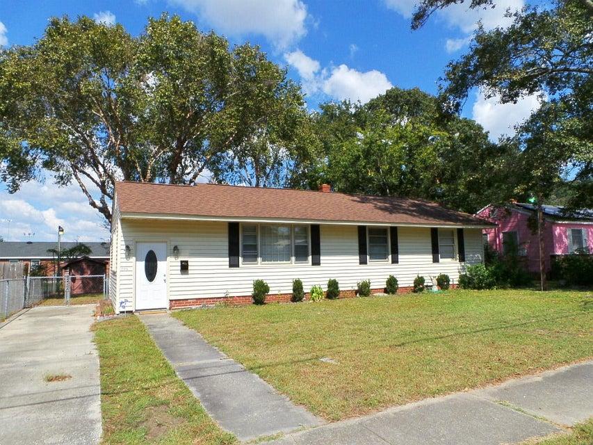 2715 Martha Drive North Charleston, SC 29405
