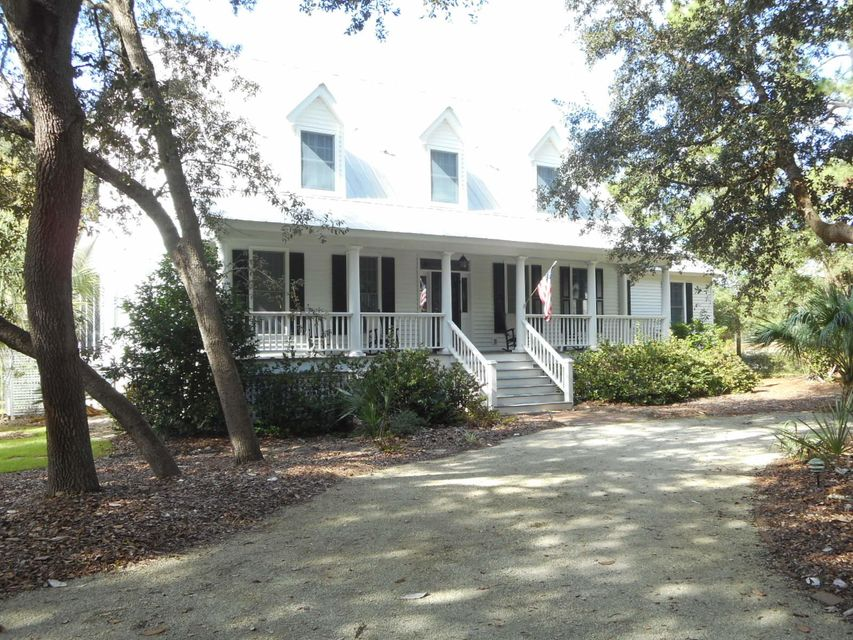 8628 Middleton Point Lane Edisto Island, SC 29438