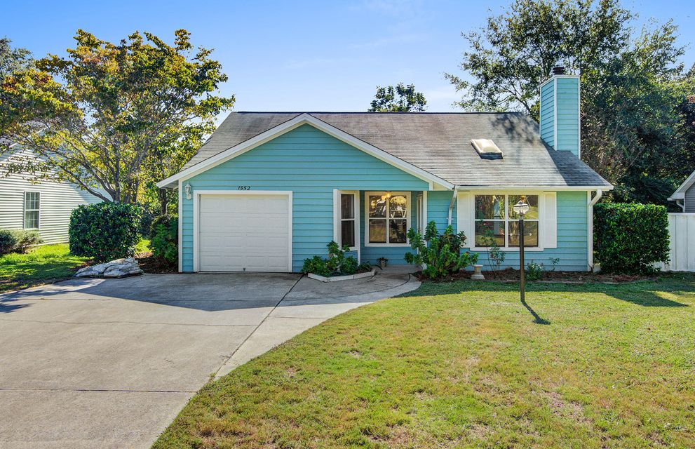 1552 E Crossing Lane Mount Pleasant, SC 29466