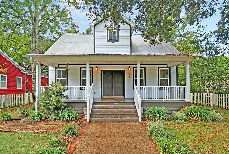208 E 1ST North Street Summerville, SC 29483
