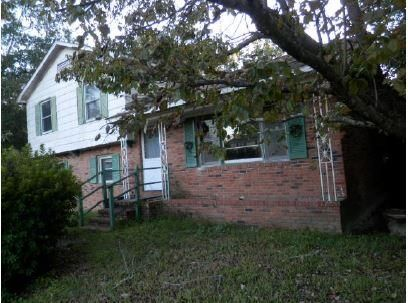 7631 Kings Grant Lane North Charleston, SC 29420