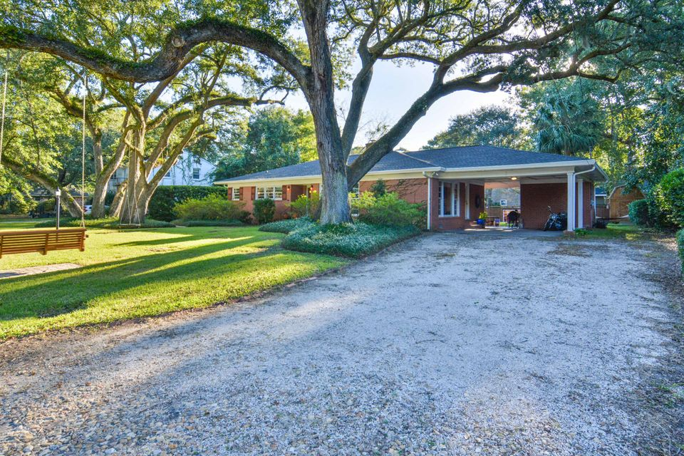 1590 Carterett Avenue Charleston, SC 29407
