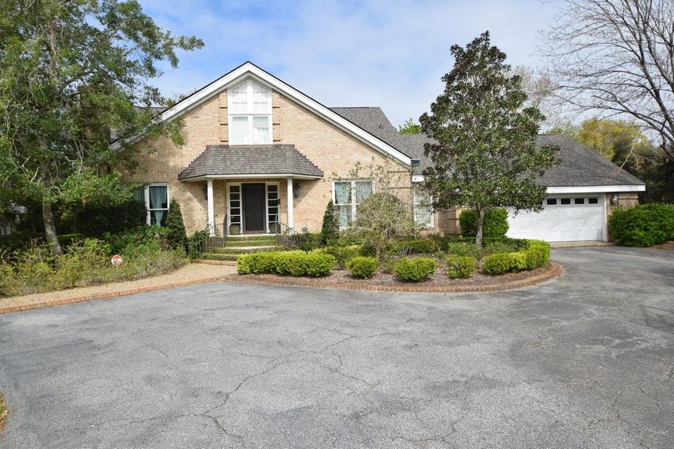 4 Cochran Court Charleston, SC 29407